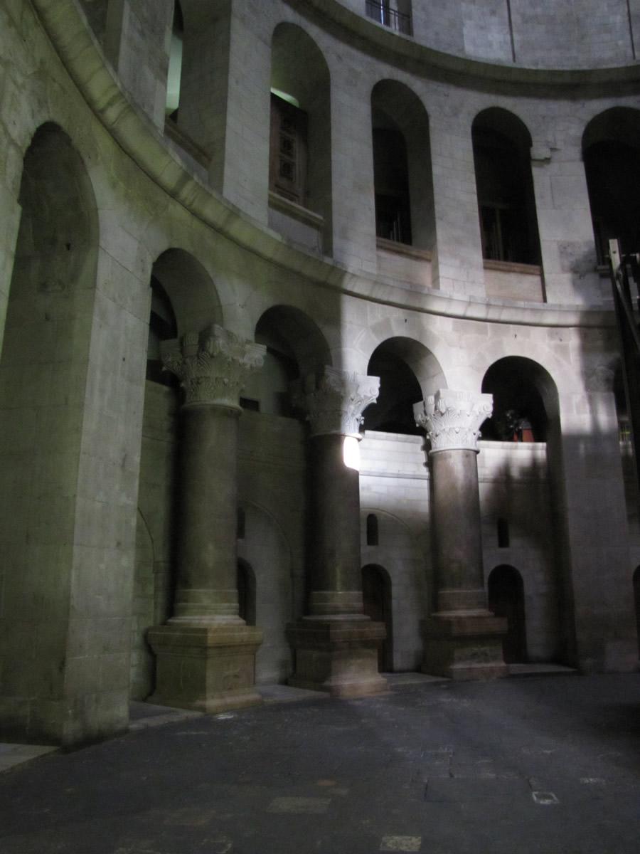 Resultado de imagen de columns holy sepulcher